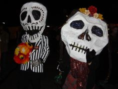 dayofthedead giant skull heads