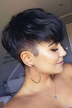 Today we have the most stylish 86 Cute Short Pixie Haircuts. We claim that you have never seen such elegant and eye-catching short hairstyles before. Pixie haircut, of course, offers a lot of options for the hair of the ladies'… Continue Reading → Modern Short Hairstyles, Girls Short Haircuts, Pixie Hairstyles, Office Hairstyles, Anime Hairstyles, Stylish Hairstyles, Hairstyles Videos, Hairstyles 2018, School Hairstyles