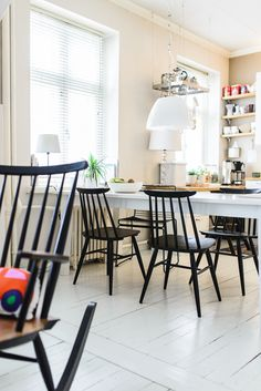 Find the best of Restored by the Fords from HGTV Dining Area, Kitchen Dining, Dining Chairs, Dining Room, Interior Decorating, Diy Decorating, Interior Design, Minimal Bedroom, Photo Restoration