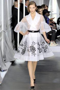 christian dior haute couture paris s/s 2012 Haute Couture Paris, Style Haute Couture, Spring Couture, Couture Fashion, Couture Shoes, Valentino Couture, Dior Fashion, Fashion Week, Runway Fashion