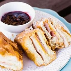 Making your own deep-fried Monte Cristo Sandwich is super easy and always delicious. Warm melted cheese, meat, battered and fried. Easy to recreate this delicious Disneyland copycat monte cristo at home Fried Cheesecake Bites Recipe, Trifle Recipe, Recipe Box, Butter Cookies Recipe, Yummy Cookies, Delicious Cookie Recipes, Real Food Recipes, Cake Recipes, Creme Anglaise Recipe