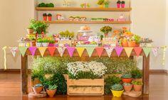 decoração com flores do campo e suculentas