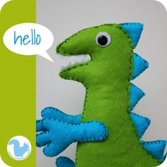 Felt dinosaur with free pattern Crafts For Boys, Cute Crafts, Felt Crafts, Diy For Kids, Pig Party, Dinosaur Party, Baby Party, Cumple Peppa Pig, George Pig