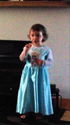 """Pin for Later: The Top 10 Viral Videos of 2014 The Little Girl Who Just Wanted to Perform """"Let It Go"""""""
