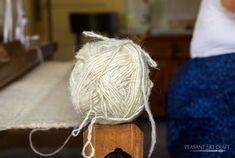 Spinning Chunky Yarn in Maramureș – Îndrugat