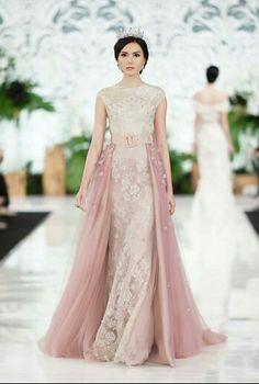 Hijab Fashion, Fasion, Hijab Dress, Luxury Fashion, Womens Fashion, Bridesmaid Dresses, Wedding Dresses, Western Outfits, Formal Gowns
