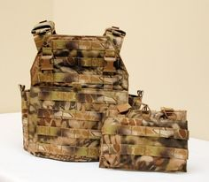 Cool camo pattern plate carrier