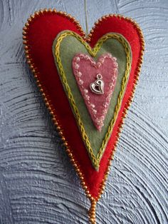 I will make more for my Etsy Shop, Bridgit's Bell. Valentines Day Hearts, Valentine Heart, Valentine Crafts, Felt Embroidery, Felt Applique, Fabric Hearts, Heart Crafts, Creation Couture, Penny Rugs
