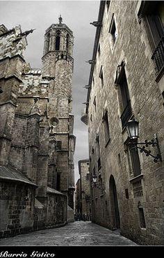 Barcelona catedral sorroundings. Barri Gotic (Gothic quarter) Barcelona, Spain.