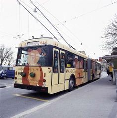 Mandelbärli Express (Linie 12) 1999 #bern  #bern_mobil #mandelbärli  #bär  #liebe  #trolley_bus  #bärli_bus #stadt_verkehr  #berner_busse #swissness #genuss #kult #geschenke
