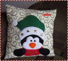 cojines manualidades navideñas frisavil Christmas Fonts, Christmas Applique, Christmas Sewing, Noel Christmas, Felt Crafts, Diy And Crafts, Christmas Crafts, Christmas Decorations, Christmas Ornaments