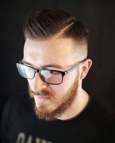 13 Cleanest High Taper Fade Haircuts for Men in 2020 Comb Over Haircut, Taper Fade Haircut, Tapered Haircut, Popular Mens Hairstyles, All Hairstyles, Straight Hairstyles, High Taper Fade, High Skin Fade, Haircuts For Men