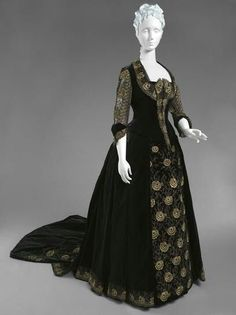 Dress Emile Pingat, c.1885 The Philadelphia Museum of Art. (House of PoLeigh Naise on FB)