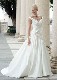 Dresses for a pregnant bride make the moment special for Wedding dresses for 60 year old brides