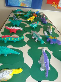dino's klei, groep 5 Dinosaur Play, Dinosaur Activities, Dinosaur Crafts, Craft Activities For Kids, Crafts For Kids, School Art Projects, Arts And Crafts Projects, Kids Clay, Messy Art