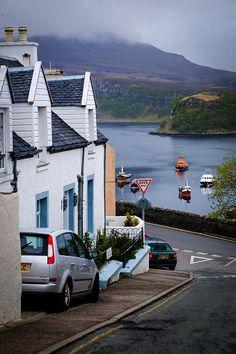⚓ Seaside houses, Scotland.