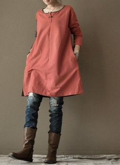 Red loose cotton dress Long Shirt women Clothing by clothingshow. I like the color combination, esp at neck Linen Dresses, Cotton Dresses, Mode Style, Style Me, Look Chic, Mode Outfits, Ideias Fashion, What To Wear, Clothes For Women