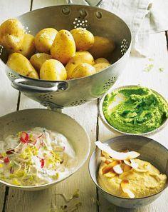 Wir dämpfen die Kartoffeln in Kokoswasser und servieren sie dann mit Kichererbsen-, Radieschenund Erbsen-Dip: einfache Küche, raffiniert neu interpretiert. Zum Rezept: Gedämpfte Kartoffeln mit drei Dips