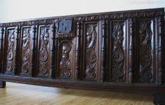 Antiques Atlas - 16th Century Oak Coffer Front