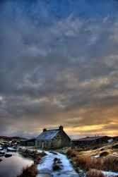 Abandoned House in Scotland Old Abandoned Buildings, Old Buildings, Abandoned Places, Irish Landscape, Landscape Photos, Landscape Paintings, Beautiful Places, Beautiful Pictures, Outer Hebrides