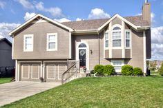 3 Bedroom, 2 Bath, 2 Car Garage + Finished Walk-out Basement - Liberty Schools 11514 N. Ditzler Avenue, Kansas City, MO 64157 - Priced at $162,500 www.DanVick.com/hrt1933999