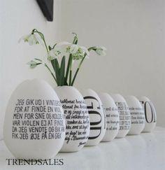 ChristinaKorsgaard / Christina Korsgaard - Vaseæg / Påske / Påskeæg / Vase / Porcelæn / Hånddekoreret