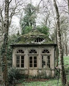 Abandoned Buildings, Old Abandoned Houses, Abandoned Mansions, Old Buildings, Abandoned Places, Old Houses, Abandoned Castles, Beautiful Ruins, Beautiful Buildings
