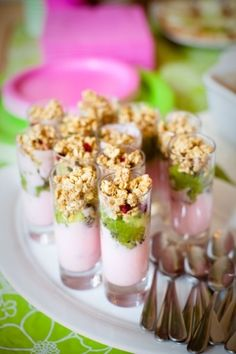 mini yogurt parfaits