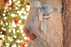 Gender Announcement at christmas time - photo credit to Lennypete Photography, idea credit..