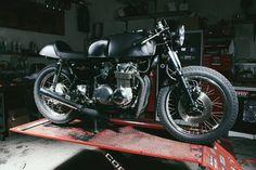 Honda CB500 1972 Cafe Racer by Moto Incendio #motorcycles #caferacer #motos | caferacerpasion.com