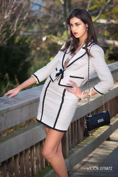 The beauty and classic elegance of women's fashion. Amazing Dresses, Nice Dresses, Dresses For Work, Classic Elegance, Classic Style, Blazer Fashion, Skirt Suits, Suits For Women, Blazer Suit