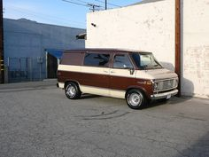 """the van has 6.5"""" up front with 225x70x15 and 8"""" in back with 275x60x15's - 3"""" drop spindles"""