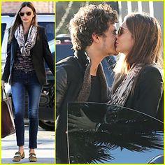 Miranda Kerr & Orlando Bloom: Spa Pick-Up Kisses!