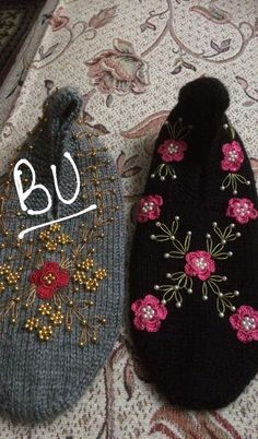 Crochet Shoes, Crochet Slippers, Moda Emo, Piercings, Baby Knitting Patterns, Crochet Projects, Brooch, Crafts, Youtube