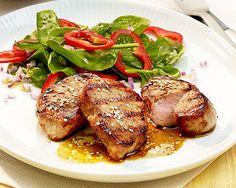 Salmon Burgers, Steak, Food And Drink, Chicken, Ethnic Recipes, Fresh, Food Portions, Food And Drinks, Food Food