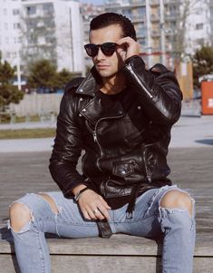 Leather Jeans Men, Leather Jacket Outfits, Leather Blazer, Leather Jackets For Sale, Ripped Jeans, Destroyed Jeans, Skinny Jeans, Fashion Moda, Leather Fashion