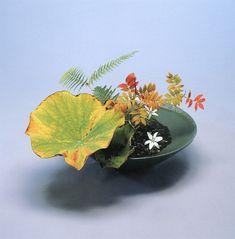 テーブルの上に置く 生け花 - Google 検索