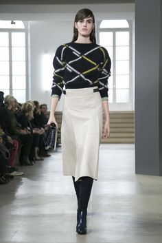 A look from the Jil Sander Fall 2015 RTW collection.