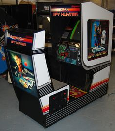 History Of Video Games, 80s Video Games, Online Video Games, Vintage Video Games, Video Game Art, Arcade Console, Action Pictures, Arcade Machine, School Games