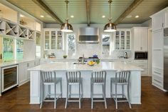 nice accent with beams & soft contrasting ceiling color :: Cornerstone Architects in Austin.