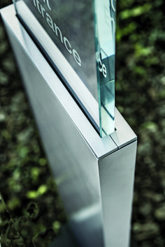 Architect Rick Reeder has designed a suite of Wayfinding products, all minimal and architectural in form, refined and sophisticated in presence, with integrated LED lighting.    More information: http://www.landscapeforms.com/en-us/products/pages/Reeder.aspx