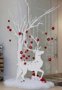 Easy Christmas Decorations, Easy Christmas Crafts, Christmas Wood, Disney Christmas, Outdoor Christmas, Christmas Projects, Simple Christmas, Christmas Holidays, Christmas Wreaths