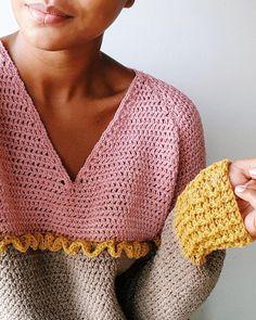 FREE and Simple Crochet Dress pattern images for Beautiful Ladies - Page 32 of 53 - Beauty Crochet Patterns! Pull Crochet, Easy Crochet, Crochet Hooks, Knit Crochet, Diy Crochet Sweater, Crochet Cardigan Pattern, Crochet Patterns, Vestido Zig Zag, Black Crochet Dress
