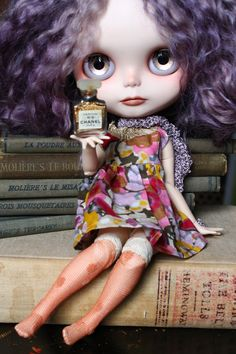 Blythe doll by Cupcake Curio : http://www.flickr.com/photos/lapetitemuse/sets/ Channel endorsEr