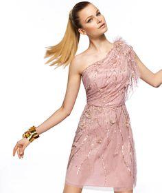 Pronovias apresenta o seu vestido de festa Zeneta da coleção Curtos 2013.   Pronovias