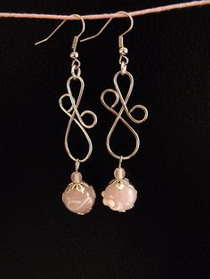 Wired earrings with glassbeads by RebbeltjesTouch on Etsy, €9,95