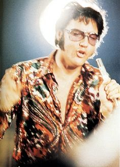 "Halo Elvis - rehearsals for ""That's the Way It Is"" -"