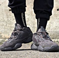competitive price 1ceb3 86119 74 Best Yeezy 500 Outfits images | 90s fashion, Daily style ...