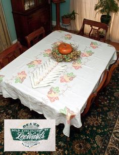 Vintage LeeWards Fall Tablecloth Set Large by LovelyLinensandMore