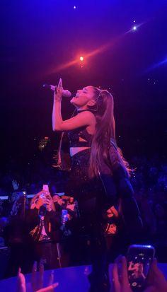 she is so beautiful 🥺 Ariana Grande Cute, Ariana Grande Pictures, Ariana Grande Singing, Ariana Grande Facts, Ariana Tour, Ariana Grande Sweetener, Ariana Grande Wallpaper, Doja Cat, Dangerous Woman